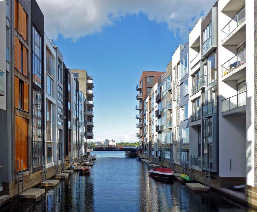 Sluseholmen_canal_scene_2